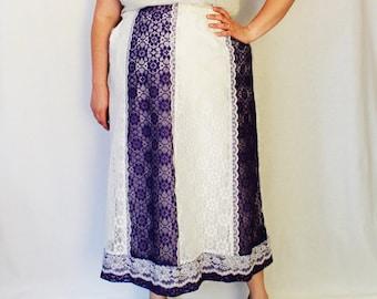 Plus Size - Vintage Purple & White Lace Gore Skirt (Size 14/16)