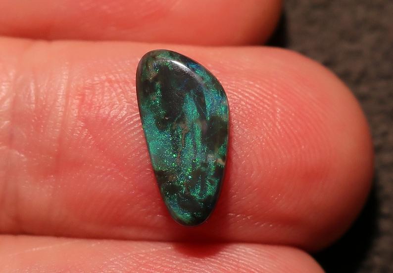 Lightning Ridge Black Opal with Bright green colors Beautiful  ring or pendant stone  2.6 Carats 12 x 9 x 4mm Bargain