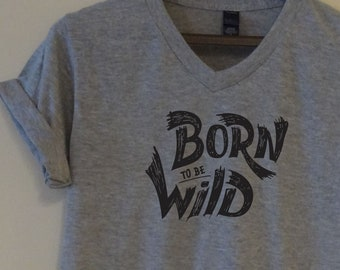 67033602 Born To Be Wild T-shirt Unisex Funny Quote Saying Super Soft Tee Mens Womens  Ladies Graphic Gift Top Birthday Party Animal Animal Wild Girl