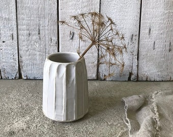 VASE - shiny white, height 11 cm, vase design, flower vase