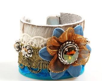 Western bracelet turquoise cream and gold brown, leather cuff bracelet hide, boho bracelet Swarovski with flower, jewelry handmade gift