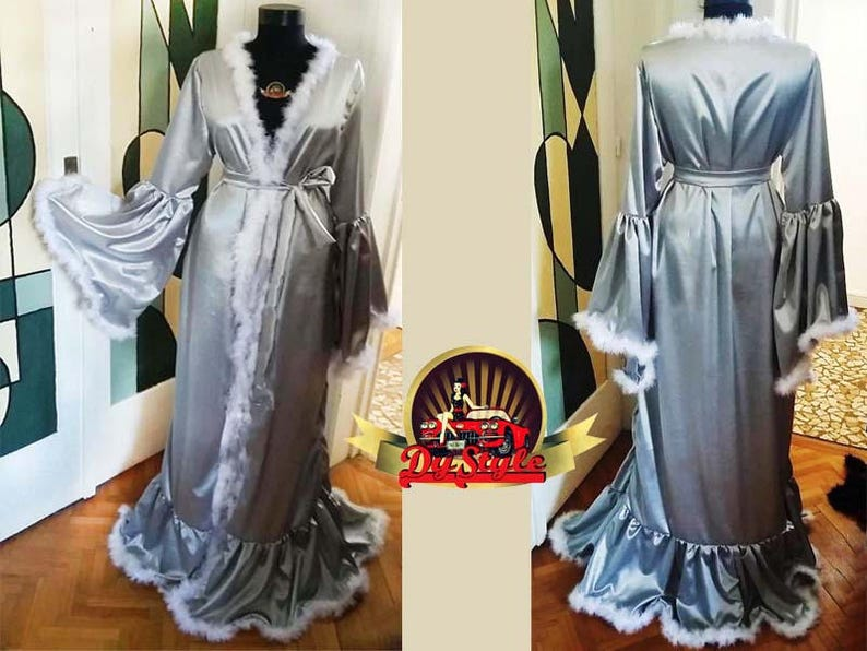 bda5547ba59ec1 Silber Satin Morgenmantel Vintage-Stil Silber Marabu Feder | Etsy