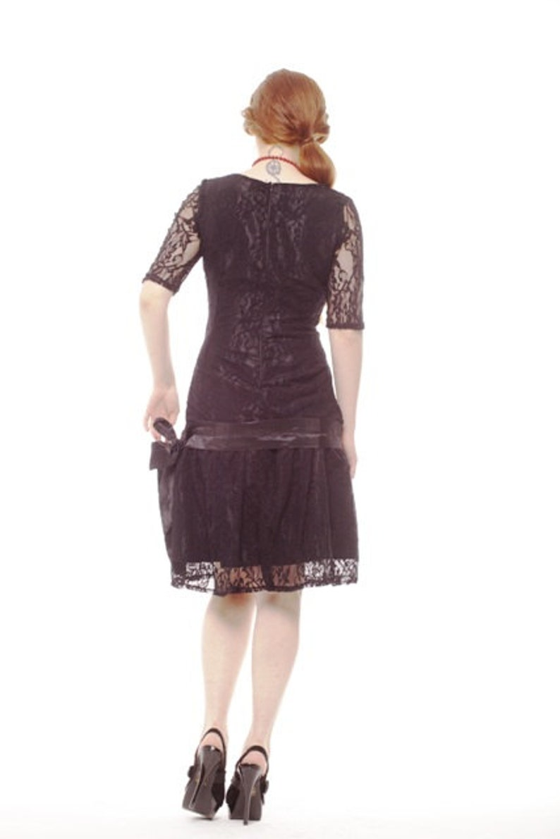829a59dff16 Elegant Black Flapper Dress With Sleeves Bridesmaid Lace Dress