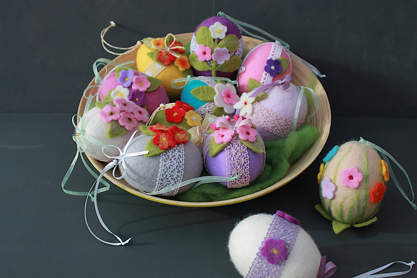 Easter eggs in shabby style, in beautiful pastel colors or in strong colors for the Easter shrub, handmade from Germany