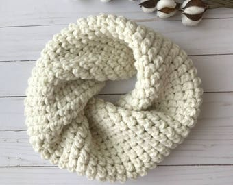 Chunky Crochet Cowl, Cream, Fisherman