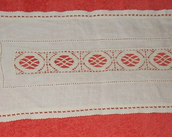 Beautiful hand made Swedish lace doilie / bobbin / from a lace pillow