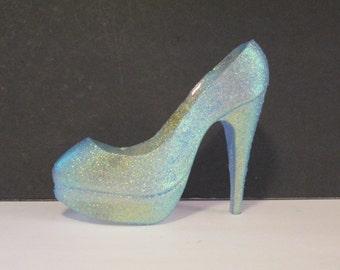 blue topaz baby blue shoe cake topper glitter sparkley sugar glass slipper edible wizard of oz decoration