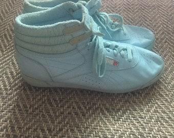 2e9f1eba1e18 Vintage high top reebok sneakers