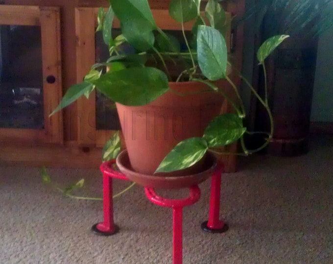 Featured listing image: Horseshoe Plant Stand