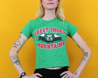 XS Great Smoky Mountains T Shirt. 80s Tiny Grizzly Or Brown Bear Crop Top Style T Shirt. Womens Extra Small Spring Or Summer Belly Shirt