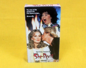 She Devil VHS Tape. Cult Classic 80s Roseanne Comedy Vhs Movie. 80s Funny Evil Ex Wife Comedy VHS. Meryl Streep Comedy Vintage Vhs