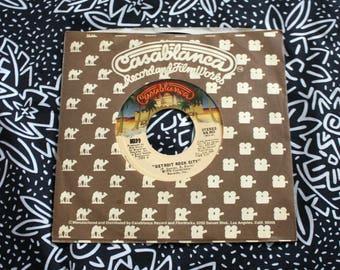 Kiss - Beth - Detroit Rock City - Vintage Vinyl 45 EP Glam Rock Record.  Vintage 1976 Kiss Rock Music Rock N Roll 70s Single