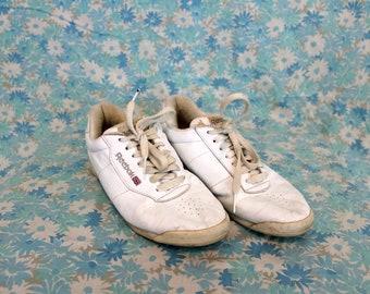 504b3c7e07a Vintage White Reebok Sneakers. Rare Retro 90s White Size 7 White Reebok  Classic Shoes. Low Top Reebok Sneakers. 90s Hip Hop Womens Sneakers