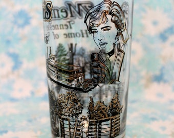 Vintage Elvis Drinking Glass. Memphis Tennesse Souvenir Elvis Presley Drinking Glass. Gold Rare Elvis Cup. Elvis Presley Gift. Elvis Decor