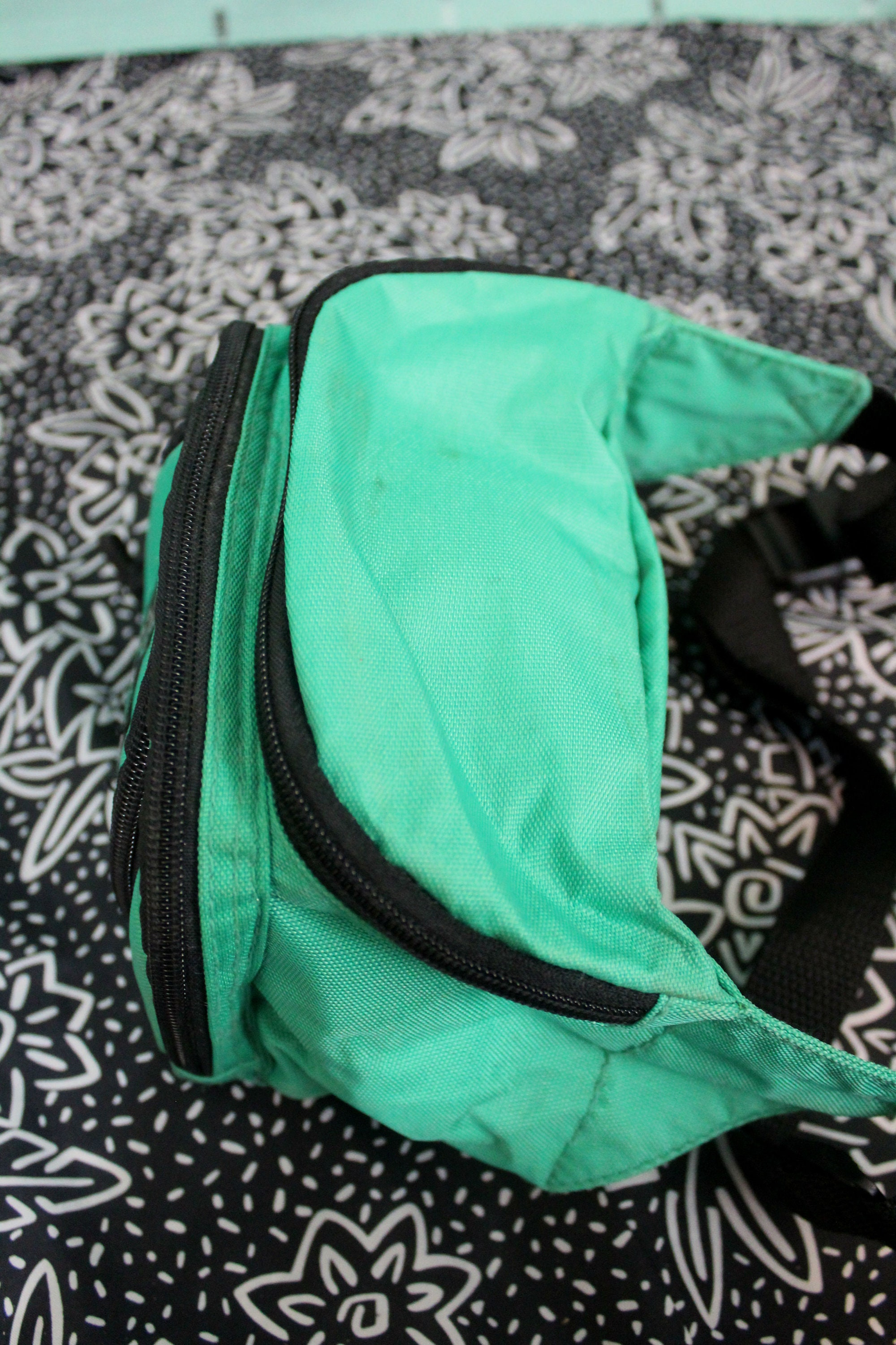 cddaa7bb1ff6 Vintage 80s or 90s Seafoam Green Neon Hipster Fanny Pack. Rare Funky ...