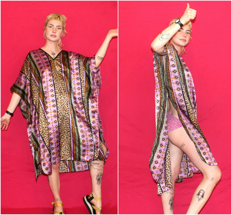 Womens Vintage Kaftan Tent Dress.Retro One Size Fits All Red Gold Abstract  MuuMuu House Dress.Vintage Animal Print Mrs. Roper Muu Muu f935f213c