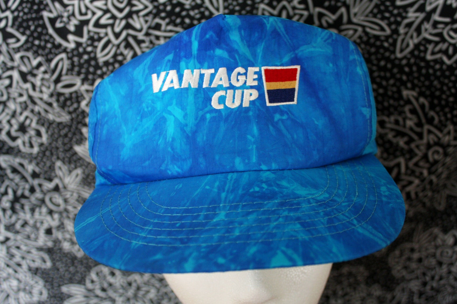 cfa1877e22a Vintage 90s Hipster Nylon Hat. Vantage Cup Logo Blue Swirly Tie Dye  Baseball Snapback Hat. Super Cool 90s Hipster Dope Fresh Style