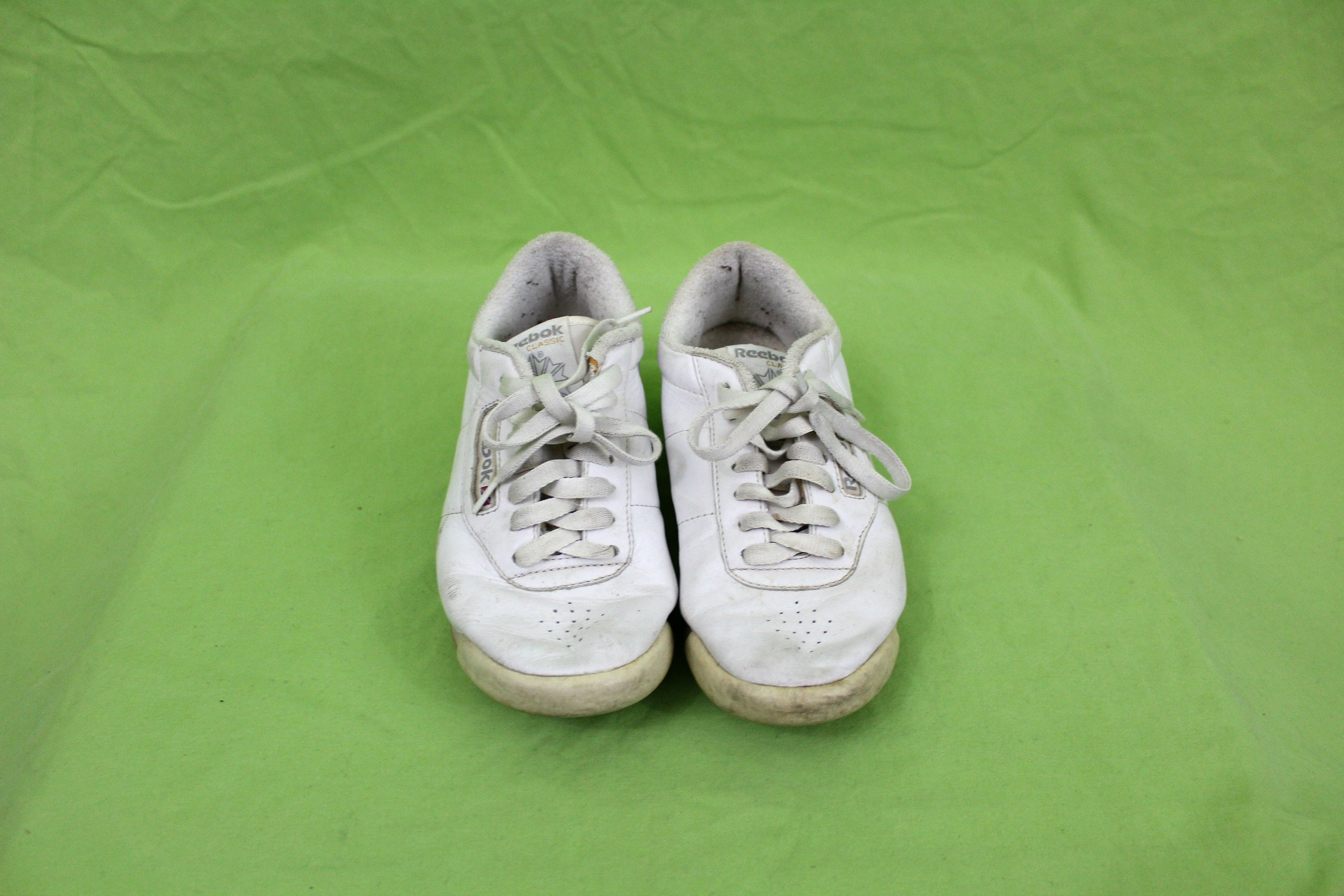 cfbdd10c85d Vintage White Reebok Sneakers. Rare Retro 90s White Size 7 White Reebok  Classic Shoes. Low Top Reebok Sneakers. 90s Hip Hop Womens Sneaker