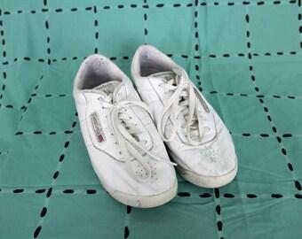 Vintage White Reebok Sneakers. Rare Retro 90s White Size 8.5 White Reebok Classic Shoes. Low Top Reebok Sneakers. 90s Hip Hop Womens Sneaker