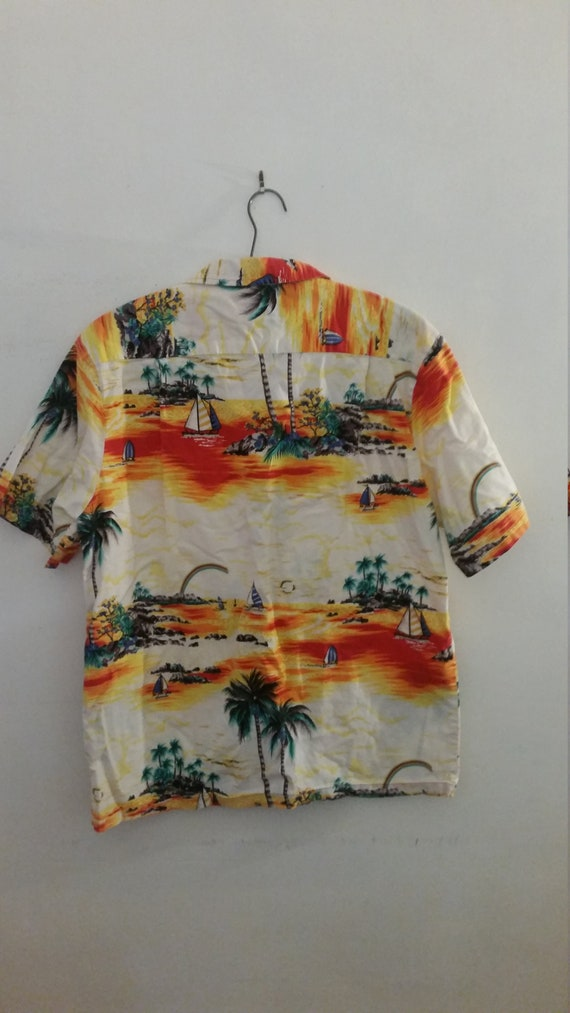8f6ad1a00a1 Vintage Men s Hawaiian Casual Shirt 100% Cotton Tropical