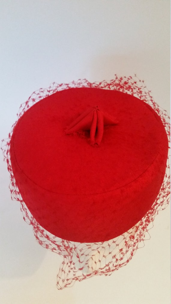 b72e92e9832 Vintage Red Hat with Veil Hattie Carnegie Pillbox Style Hat