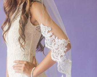 Wedding Veil , Single Tier Lace Wedding Veil