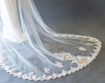 Lace Applique Veil - The Aria