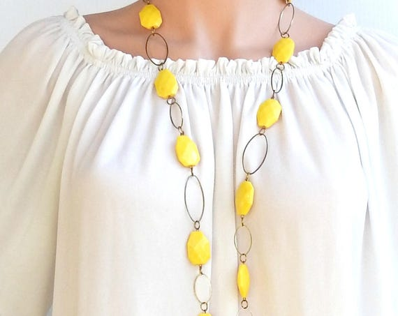 EXTRA LONG NECKLACE with yellow sunny plastic beads