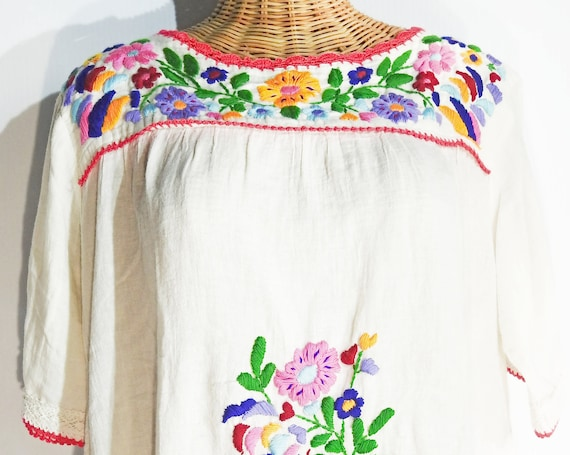 Boho embroidery dress for women, off white white linen dress, Mexican style Peasant,  embroidery design women summer cotton with embroidery