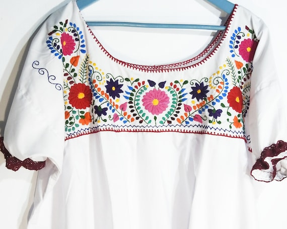 Embroidered peasant top plus size for women Mexican style  with Boho flowers embroidery
