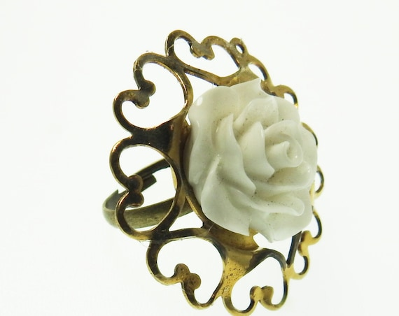 Vintage style rings for women large ladies white flower ring womens size 7.5 snow gifts cute ideas floral affordable gift jewelry retro