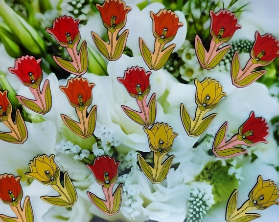 Tulip painted wooden buttons