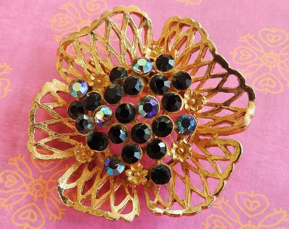 Vintage jewelry flower brooch