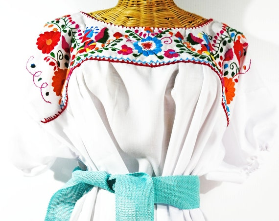 Mexican flower blouse Floral embroidery plus size peasant Mexico bohemian shirt blusa mexicana white puebla ladies fiesta womens hippie
