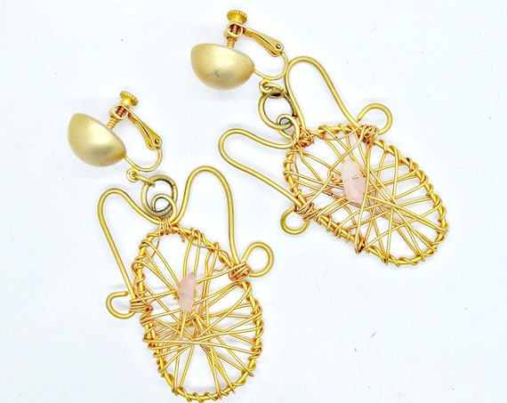 Vintage earrings screw back for women