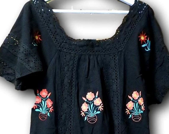 Embroidered dress floral with lace