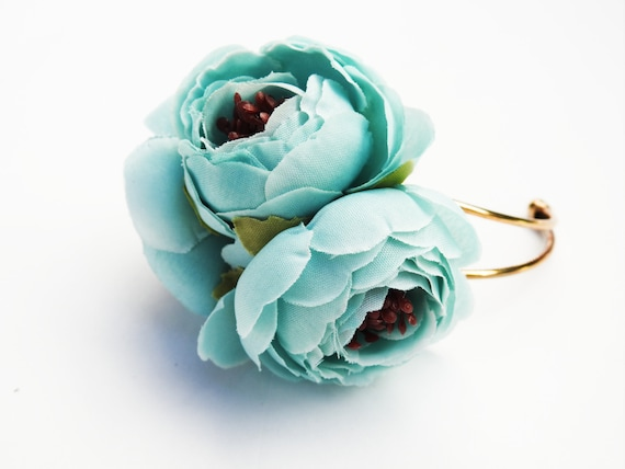 Flower bracelet for women