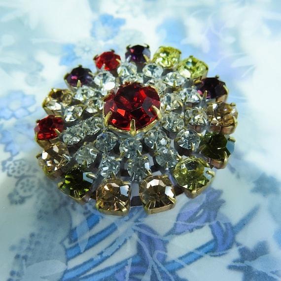 Elegant large round diamante button
