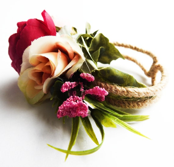 Wrist corsage bracelet with flowers
