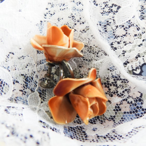 Retro flower clip on earrings