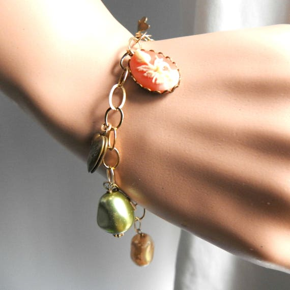 Delicate bracelet for women