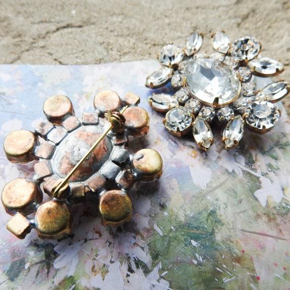 Crystal brooches pins