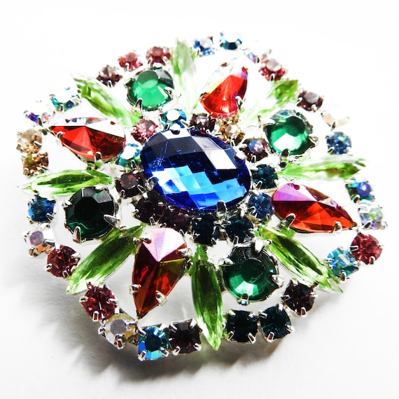 Czech glass broach