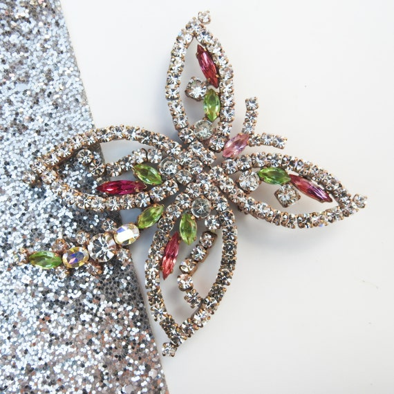 Statement brooch for women