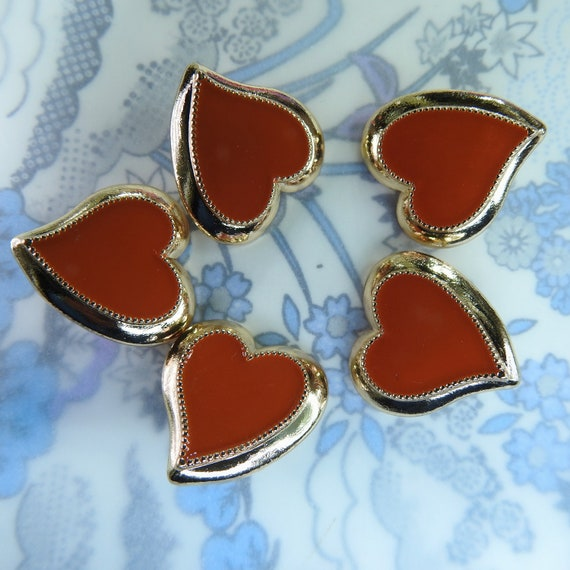 Retro Heart-shaped buttons