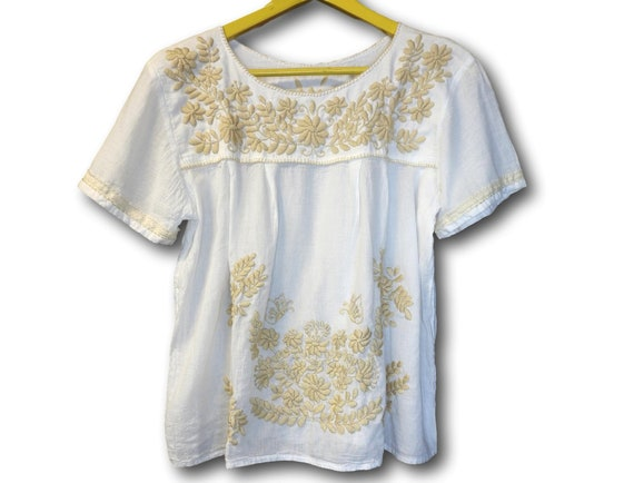 Cotton gauze top with Mexican embroidery