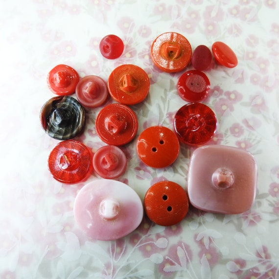 Red old buttons