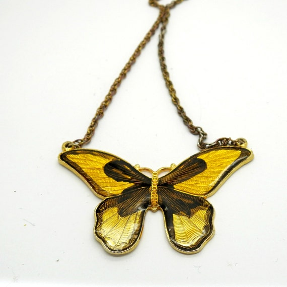 BUTTERFLY NECKLACE YELLOW