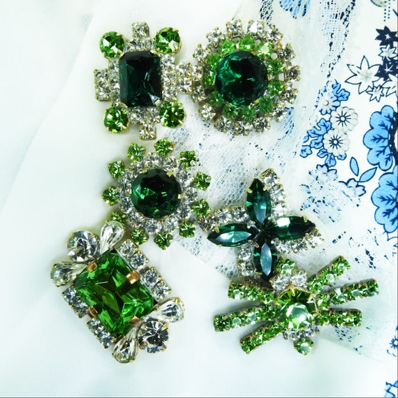 Eye-catching large lot of Green glass jewel buttons