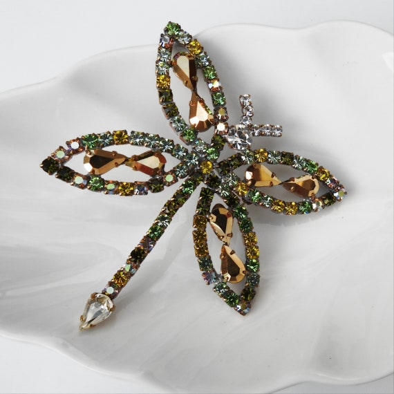 Vintage dragonfly green brooch pin